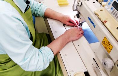 クラユニでは自社工場ならではのオリジナリティあふれる別注縫製品を、高い縫製技術でご提供することが可能